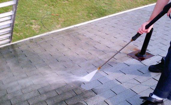 Comment procéder à l'entretien de la toiture ?