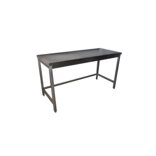 Table inox : avantages du matériau par rapport aux autres